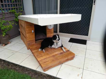 Pallet Doghouse