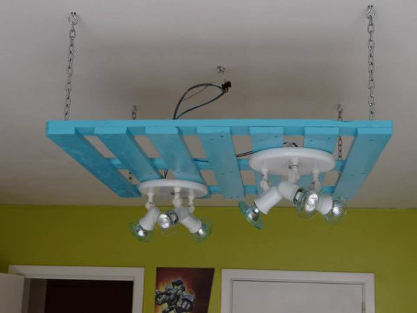 Pallet Suspension / Chandelier Pallet Lamps, Pallet Lights & Pallet Lighting