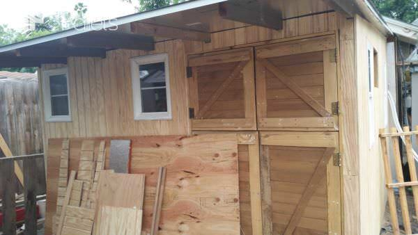 Shed From Pallets & Other Recycled Materials To Keep Costs Down Pallet Sheds, Cabins, Huts & Playhouses