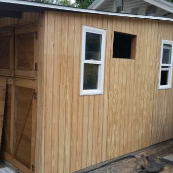 Shed From Pallets And Other Recycled Materials To Keep Costs Down