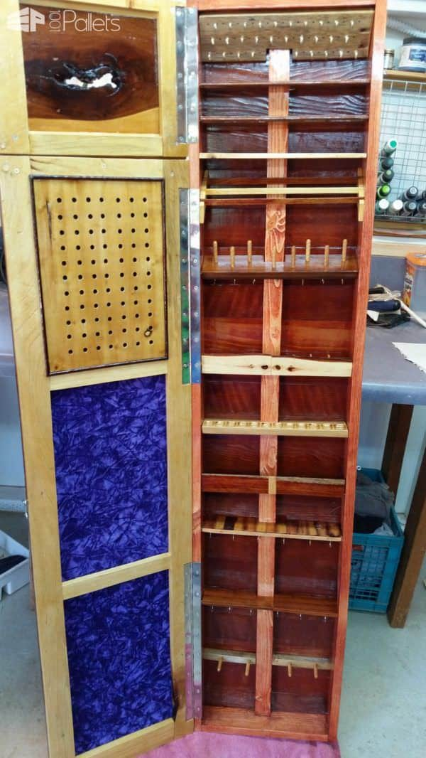 Jewelry Pallet Armoire – Low Profile, Wall-hung DIY Pallet Furniture