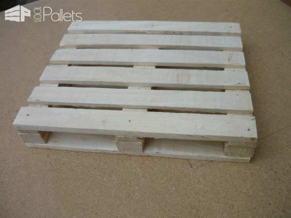 Miniature Pallet Trivet Pallet Desks & Pallet Tables
