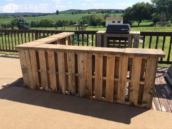 Outdoor Pallet Bar DIY Pallet Bars Lounges & Garden Sets