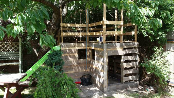 Pallet Play Fort (Work in Progress) Fun Pallet Crafts for Kids Pallet Sheds, Cabins, Huts & Playhouses