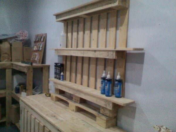 Shop furniture made out of discarded pallets 1001 pallets for Tables made out of pallets