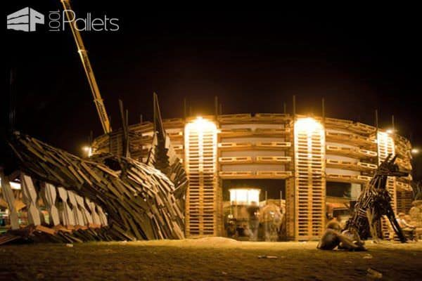 Sziget Festival Colosseum, Made out of 700 Pallets and 65 Feet Diameter Pallet Store, Bar & Restaurant Decorations
