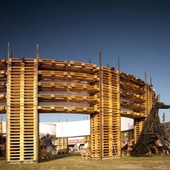 Sziget Festival Colosseum, Made out of 700 Pallets and 65 Feet Diameter