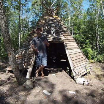 Crazy Pallet Teepee Made Out Of 70 Pallets