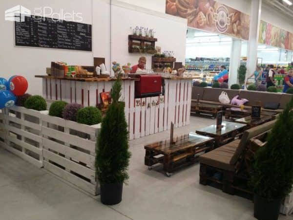 Сoffee Shop Furniture Out Of Upcycled Pallets Pallet Store, Bar & Restaurant Decorations