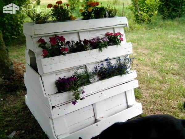 Garden Pallet Doghouse & Planter Animal Pallet Houses & Pallet SuppliesPallet Planters & Compost Bins
