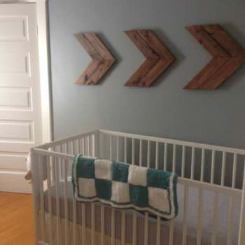 How to Make Pallet Chevrons for Wall Decor