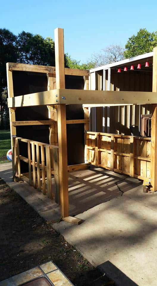 King Loft Pallet Bed With Stairs DIY Pallet bed headboard and frame - Pallet Bedroom
