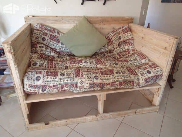 Pallet Day Bed DIY Pallet Bedroom - Pallet Bed Frames & Pallet Headboards Pallet Sofas