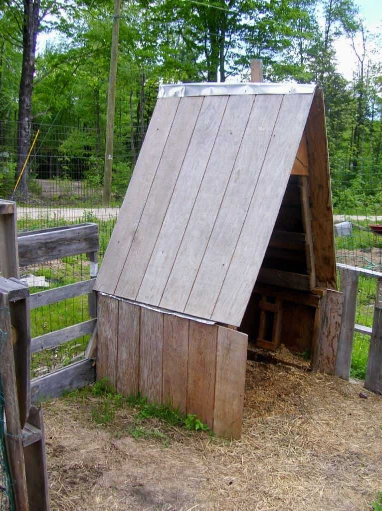 Pallet Goat House 1001 Pallets