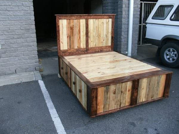 pallet queen size bed • pallet ideas • 1001 pallets