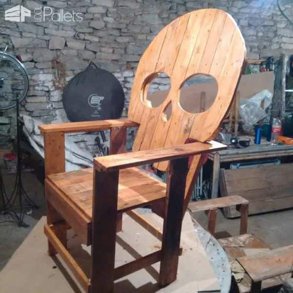 Pallet Skull-shaped Chair / Silla Calavera Pallet Benches, Pallet Chairs & Stools