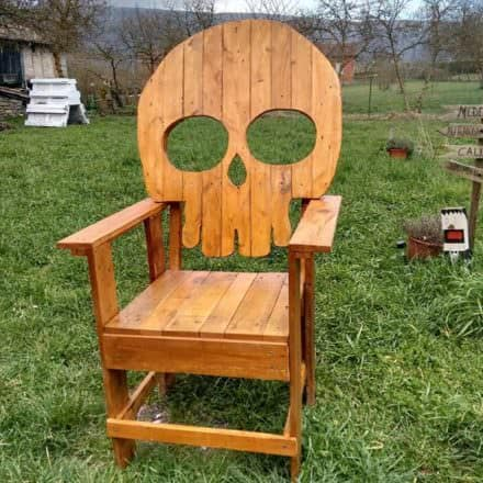 Pallet Skull-shaped Chair / Silla Calavera