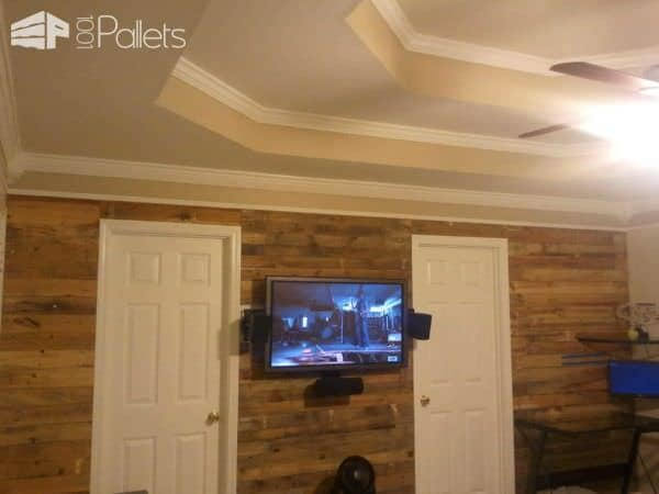 Living Room Accent Pallet Wall Pallet Walls & Pallet Doors
