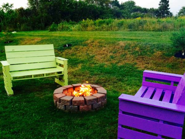 image16 - Patio & Fire Pit Furniture Out Of 14 Repurposed Pallets • 1001 Pallets