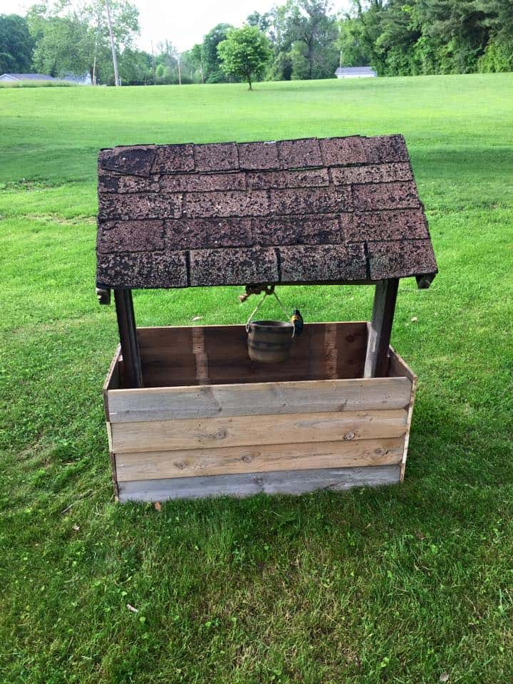 Wishing Well From Repurposed Pallet Wood 1001 Pallets