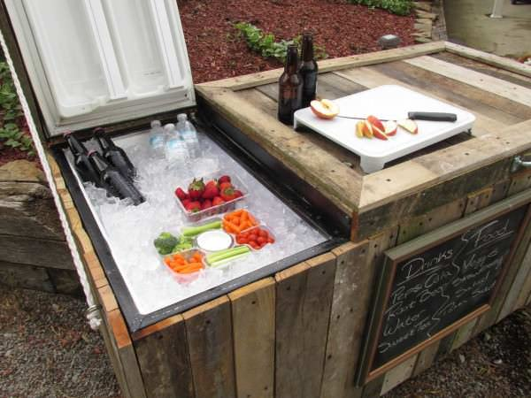 Rustic Cooler From Broken Refrigerator & Pallets Pallet Boxes & Pallet Chests