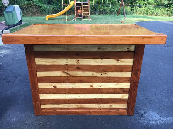 Wooden Pallet Bars become something spectacular with a little refinement like this bar.