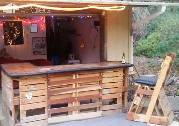35 Awesome Wooden Pallet Bars22