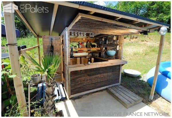35 Awesome Wooden Pallet Bars5
