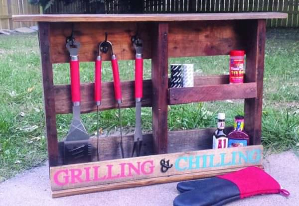 Grilling Shelf Out Of Pallet Wood Pallet Shelves & Pallet Coat Hangers