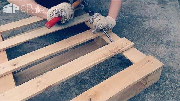 How to Make a Pallet Coffee Table (Tutorial+video) Pallet Coffee Tables Submitted Tutorials