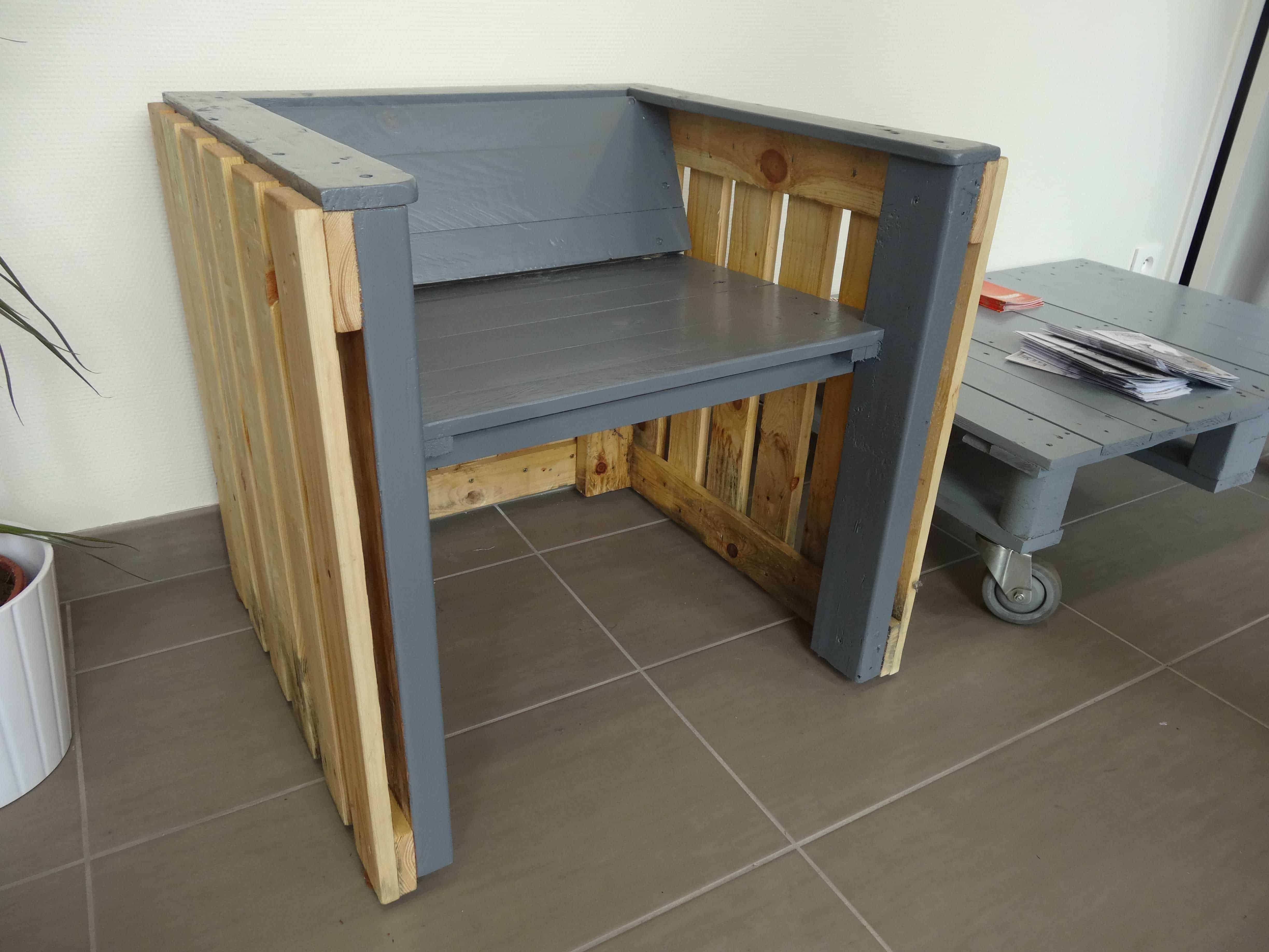 Pallet armchair - Pallet Armchair Inspired By Mies Van Der Rohe Pallet Ideas 1001 Pallets