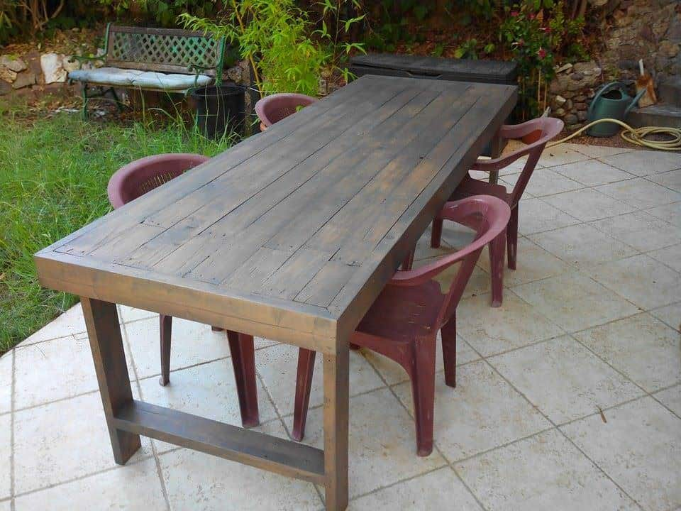 Table de jardin en palettes pallets garden table 1001 for Palette table jardin