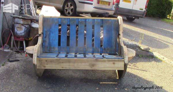 Garden Bench For Free! Pallet Benches, Pallet Chairs & Pallet Stools
