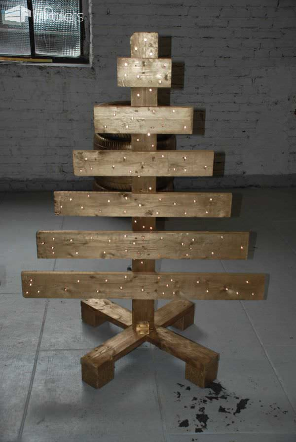 40 pallet christmas trees holiday decorations ideas Christmas trees made out of wood