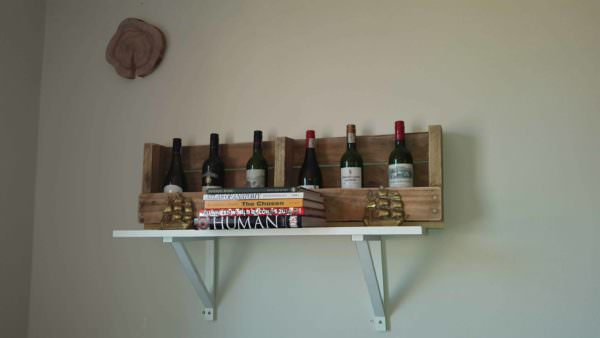6 Bottles Wine Rack From Wooden Pallets Pallet Shelves & Pallet Coat Hangers