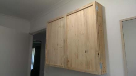 Diy: Two Pallets Upcycled Into a Wall Cabinet