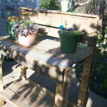 Easy Outdoor Pallet Potting Bench