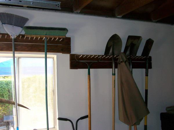 Garage Tool Peg Rack Pallet Shelves & Pallet Coat Hangers