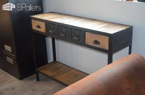 industrial console from pallets metal console industrielle en bois et m tal 1001 pallets. Black Bedroom Furniture Sets. Home Design Ideas