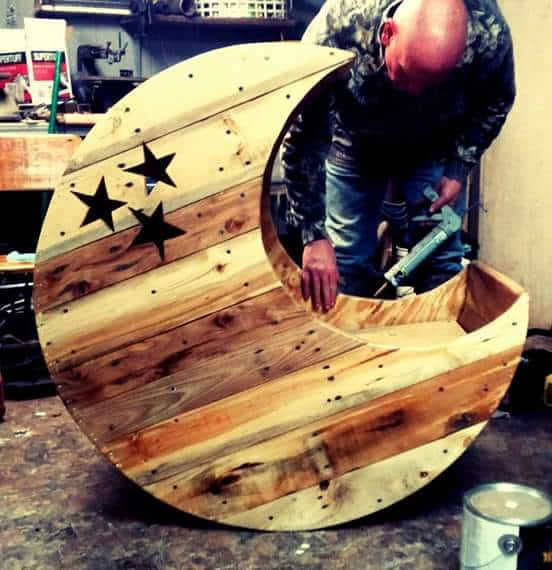 Pallet Bed Baby Moon Cradle 1001 Pallets