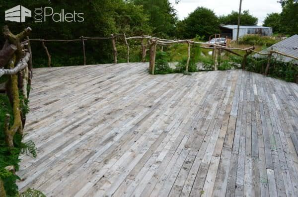 Pallet Deck With Accessible Ramp Pallet Terraces & Pallet Patios