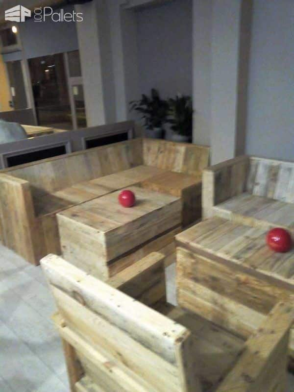 Pallet Furniture Made For A Cafe 1001 Pallets