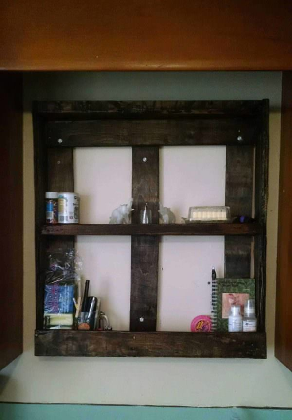 Pallet Spice Rack from One Single Pallet Pallet Shelves & Pallet Coat Hangers