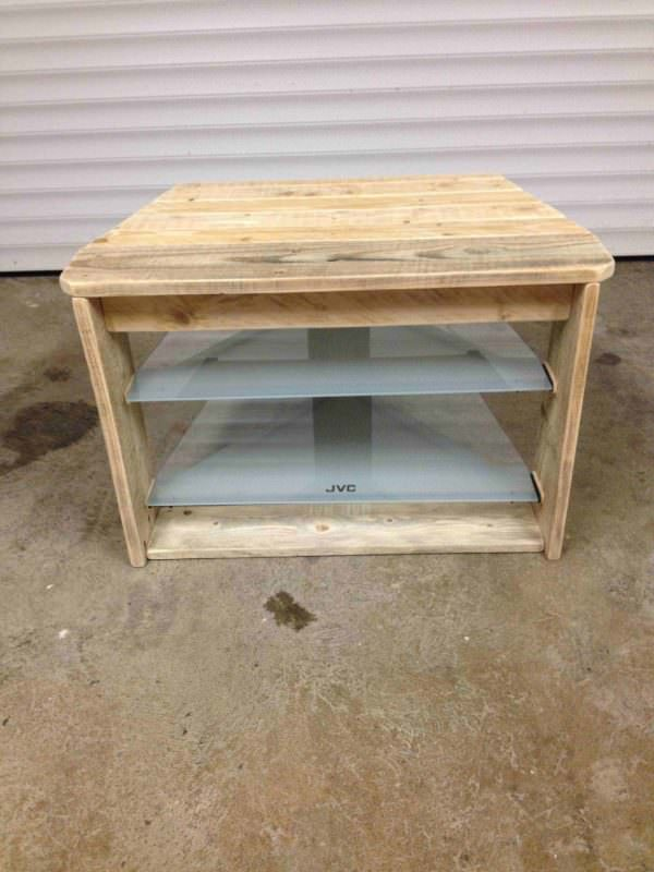 Pallet TV Stand With Glass Shelves