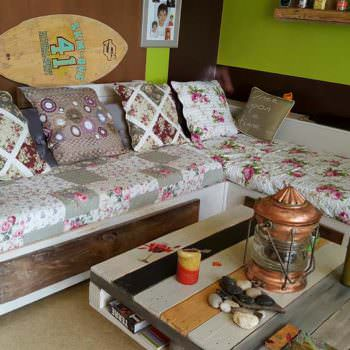 Shabby Chic Sofa From Recycled Pallets