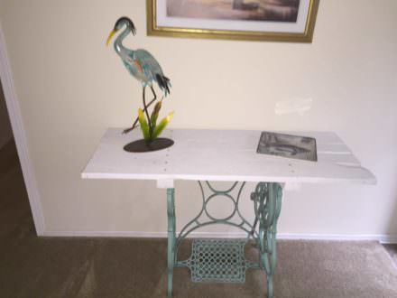 Treadle Base Pallet Board Accent Table