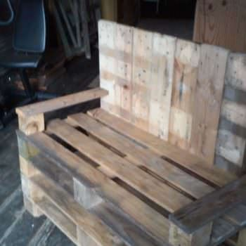 Bill's Bench: Love Seat From Three Pallets
