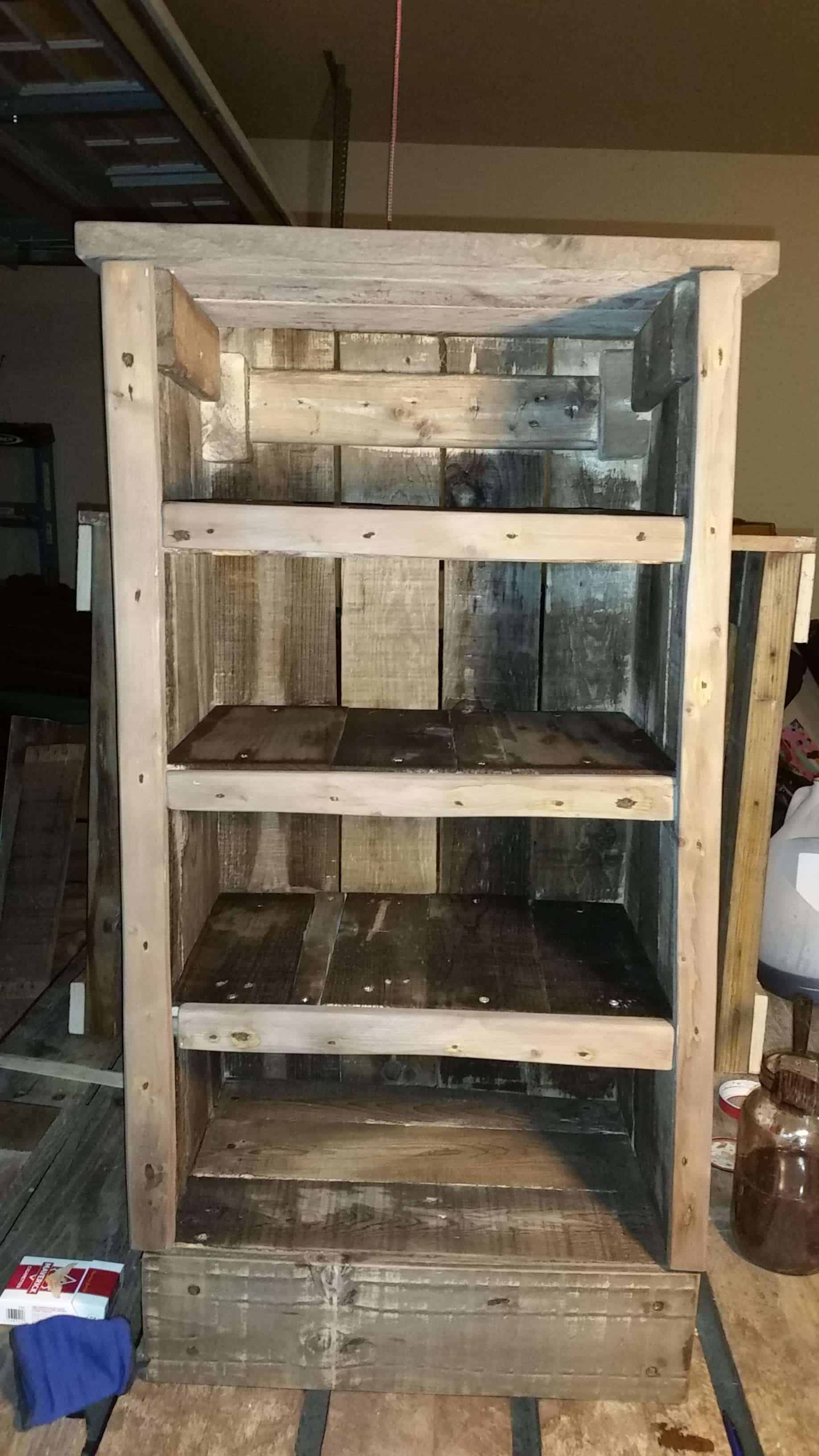 Dvd Bookshelf From Three Repurposed Pallets 1001 Pallets