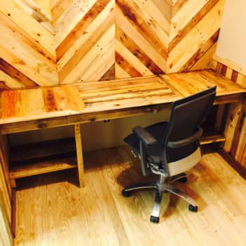 How I Built My Pallet Office (Desk & Walls)
