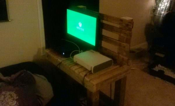 Just Another TV Stand From Pallet Wood Pallet TV Stand & Rack